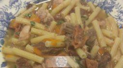 Sopa de Feijão com Massa