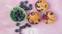 Muffins de Mirtilos e Limão