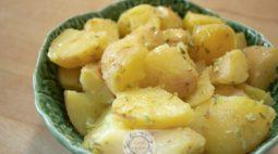 Salada de Batata com Alho e Orégãos