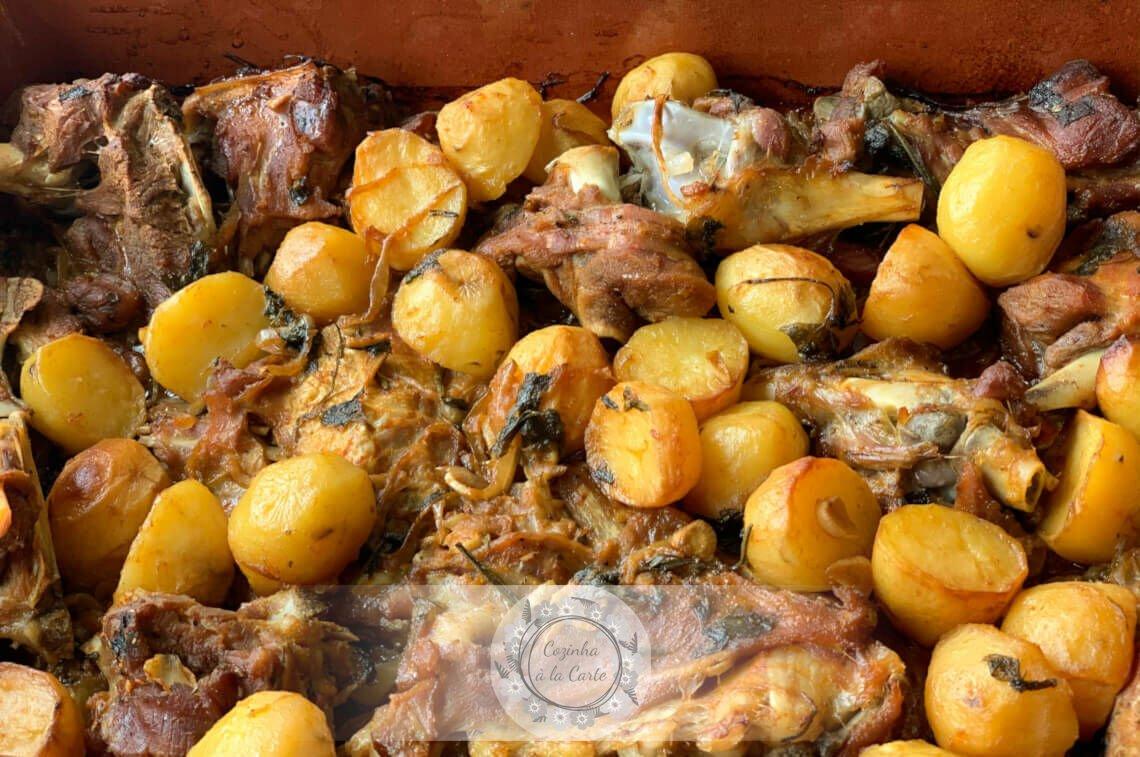 Cabrito e Batatas Assadas